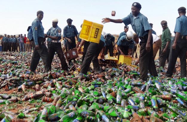 hisbah-destroying-bottle-of-beer